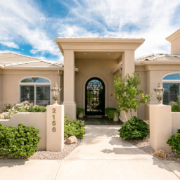 Luxury Homes in Lake Havasu