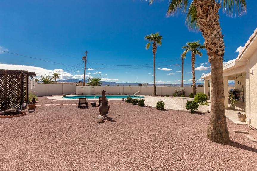 2000 Burgundy Dr Lake Havasu City, AZ