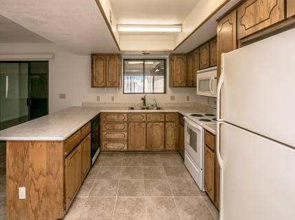 3069 Tomahawk Dr , Lake Havasu City, AZ 86406