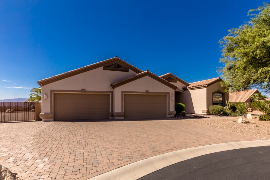 2240 Sutton Pl, Lake Havasu City, AZ 86404