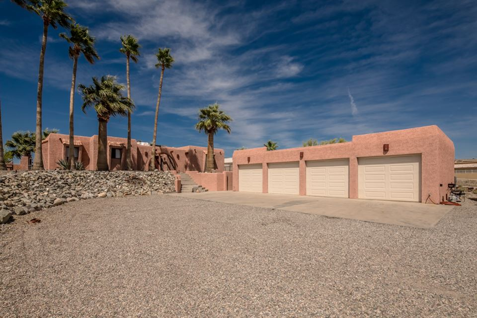 225 Comanche Ln Lake Havasu City, AZ 86403