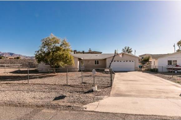 32 Tiburon Ln Lake Havasu City, AZ