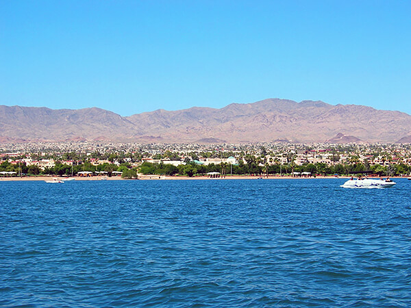 Havasu's Swim across the Lake